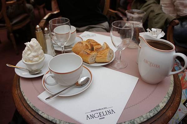 巴黎最出名的茶沙龍ANGELINA