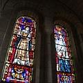 教堂裡很美的彩繪玻璃