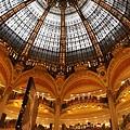 拉法葉百貨裡很美的天花板