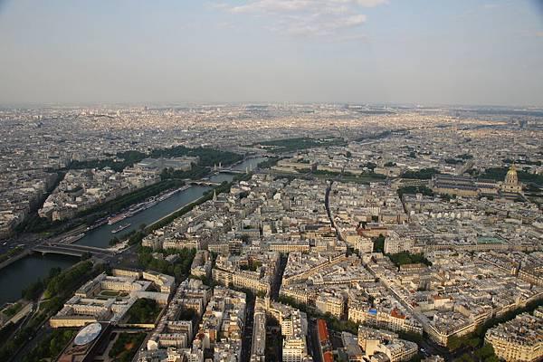 艾菲爾塔頂的巴黎