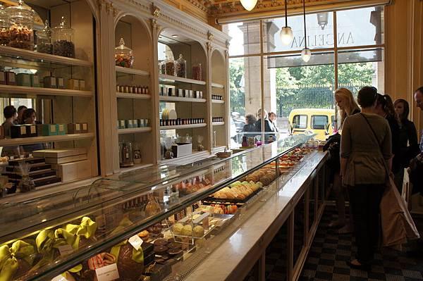 好幸福的甜點店