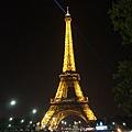 晚上很美的艾菲爾鐵塔