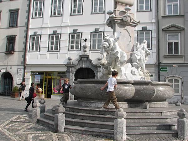 IMG_2364十七世紀羅巴噴泉