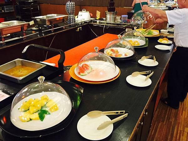 活佛.歐式素食餐廳 平日中午 420+10%吃到飽 (1).JPG