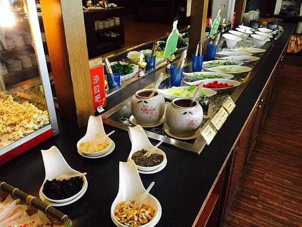 活佛.歐式素食餐廳 平日中午 420+10%吃到飽 (26).JPG