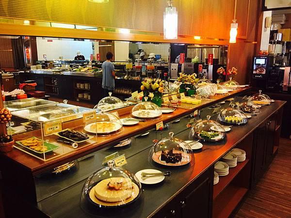 活佛.歐式素食餐廳 平日中午 420+10%吃到飽 (77).JPG