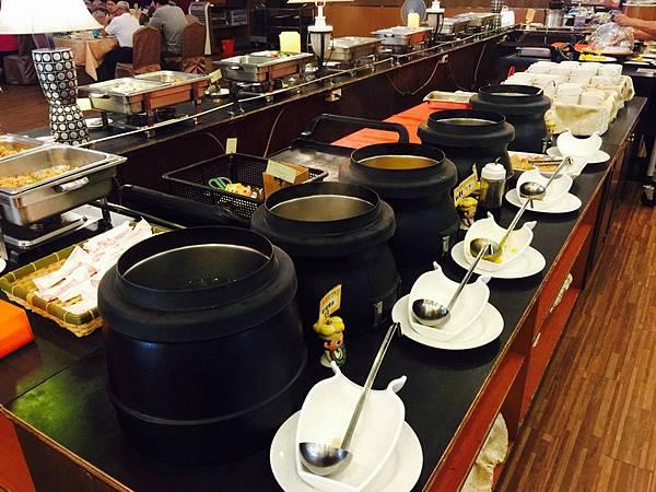 活佛.歐式素食餐廳 平日中午 420+10%吃到飽 (83).JPG