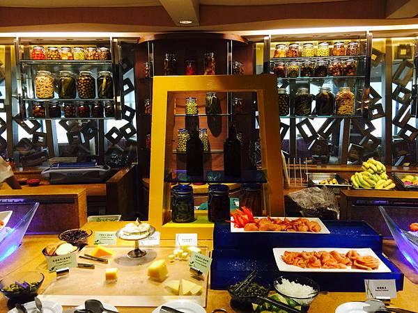 台南_遠東香格里拉 午餐790+10% 吃到飽 生日依年紀折扣,同行8折 (132).jpeg