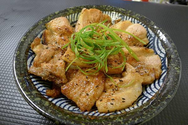 秩父味噌燒肉丼飯 (6).JPG