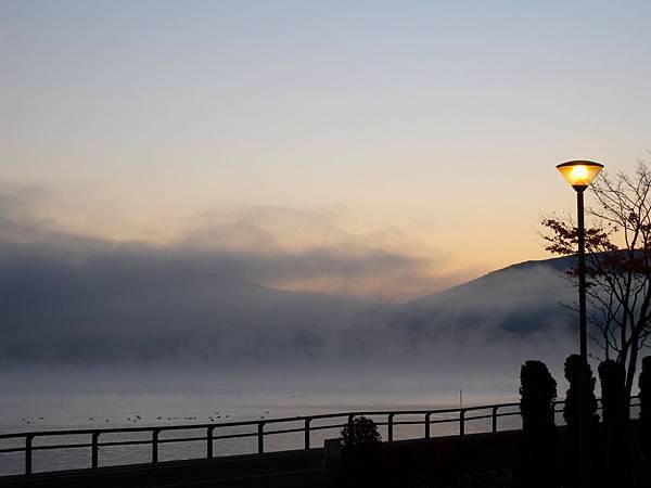 早晨山中湖