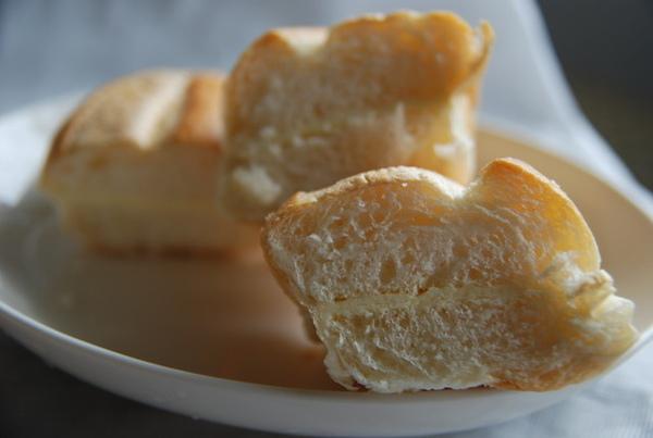 維也納牛奶麵包.jpg