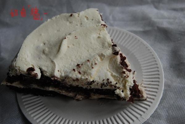 香蕉巧克力蛋糕的奶油牆.jpg