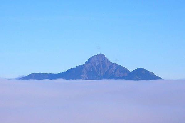 2.南湖大山,稱為大山的就是地基很穩固、很大.JPG