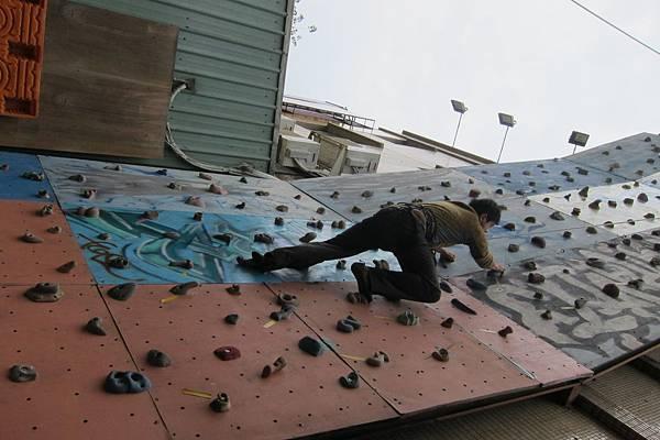 三元說這是他的第一次攀岩