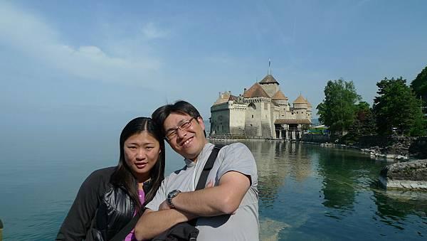 日內瓦湖與石墉古堡.JPG