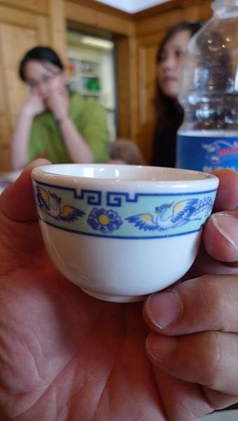 少女峰上餐廳的茶杯~台灣大同做的呦.JPG