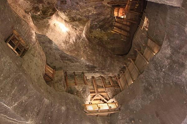 IMG_6967維利奇卡地下鹽礦城_調整大小 .JPG