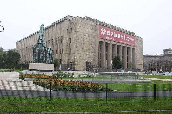 IMG_7237波蘭札托里斯基博物館_調整大小 .JPG