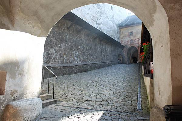 IMG_8281-拉瓦城堡_調整大小 .JPG