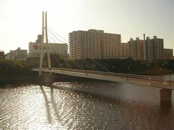 010_單軌電車上市景.JPG
