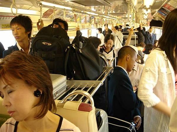012_單軌電車上.JPG