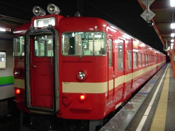 075_鮮紅列車.JPG