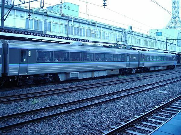001_清晨車站.JPG