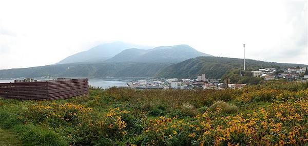 ペシ岬山腹.jpg
