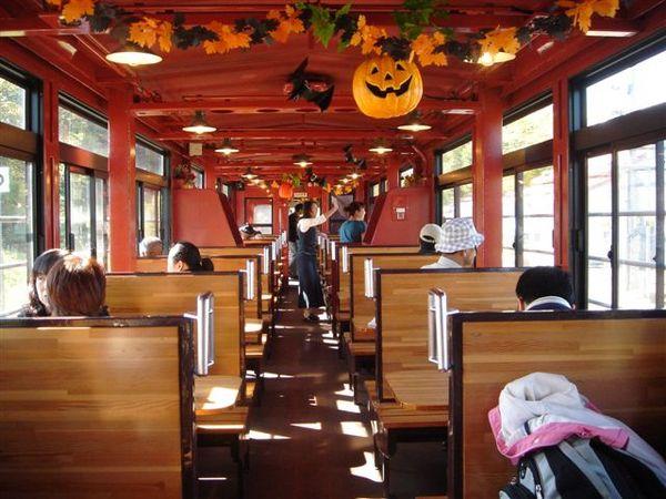 059_觀光列車佈置.JPG