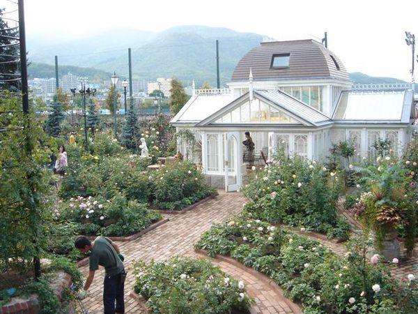 090_庭園中.JPG
