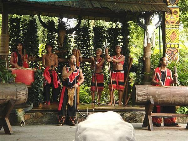 048_民俗村-藏族狩獵舞.JPG