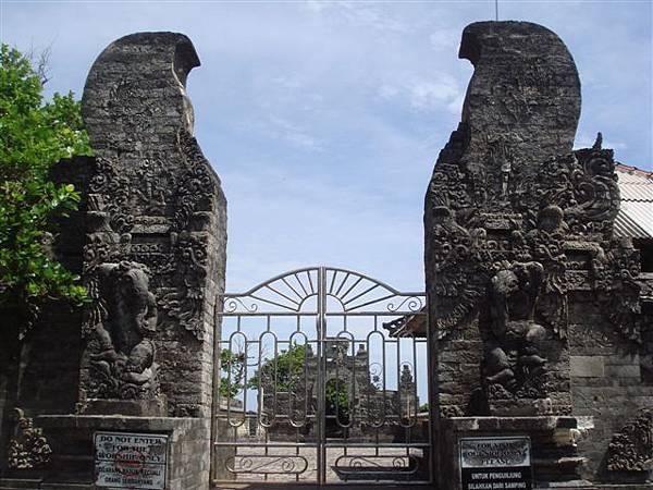 102_烏盧瓦圖神廟.JPG
