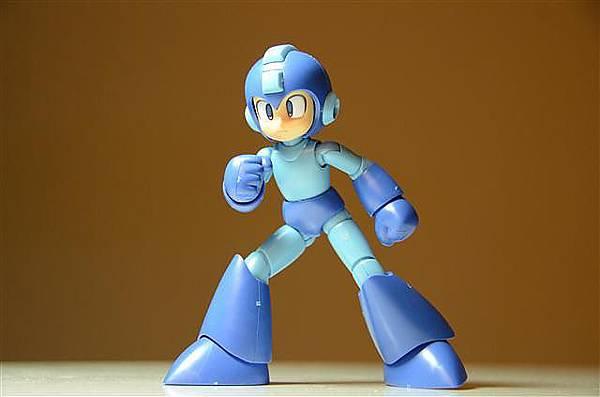 016_壽屋洛克人模型.JPG