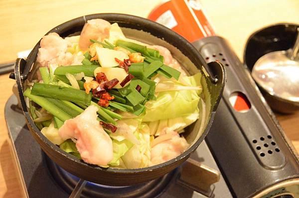 063_Motsu鍋(牛腸鍋).JPG