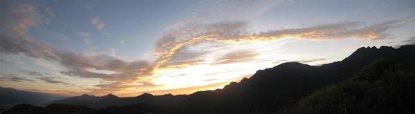 六十石山清晨6.jpg