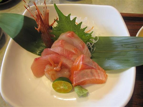 002_綜合生魚片.JPG
