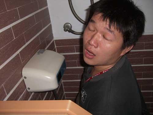 這是在...上廁所.JPG