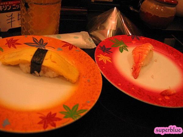 我們吃的蛋和蝦壽司