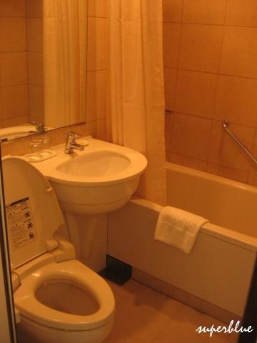 衛浴沒有乾溼分離但也算不錯了