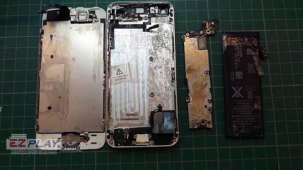 Iphone5泡海水