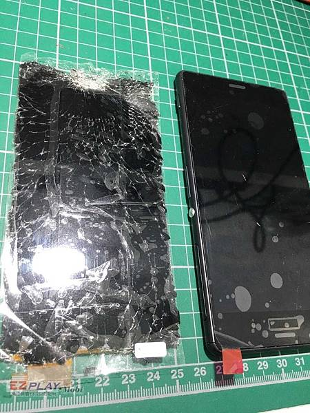SONY Z3螢幕破裂