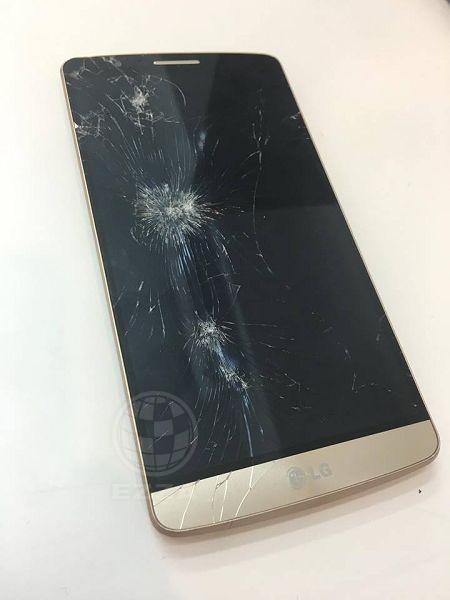 LG G3看似被子彈打中