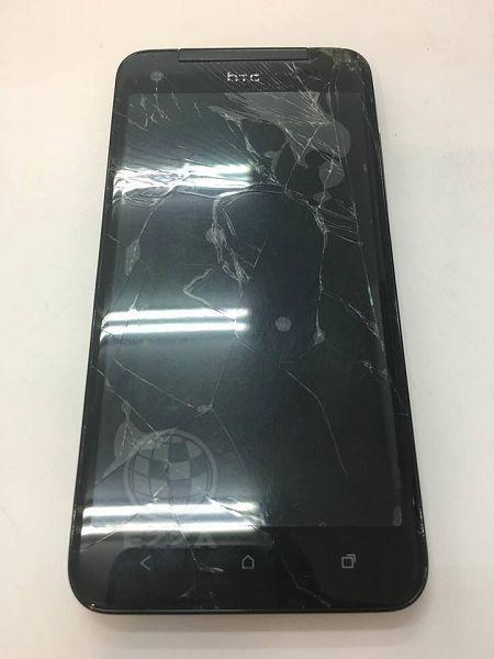 HTC蝴蝶機螢幕滿是裂痕