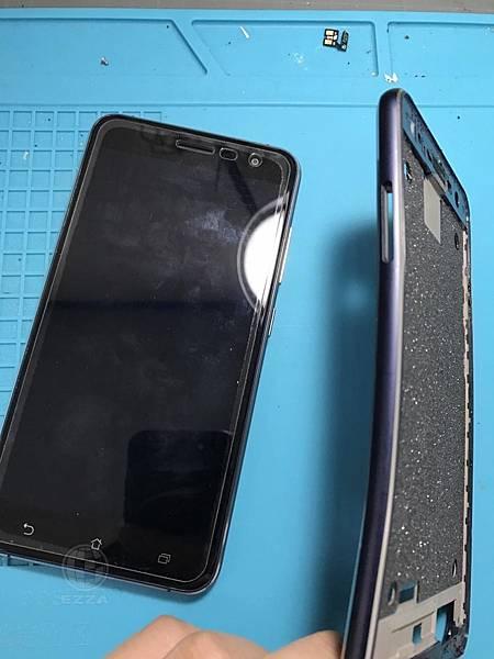 ZenFone3外殼變形