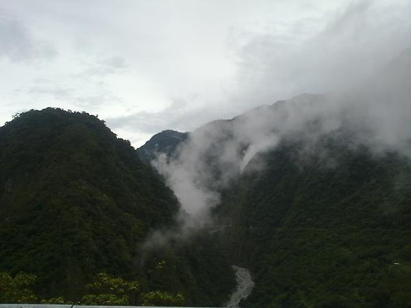 第二天~陰雨綿綿~有山嵐