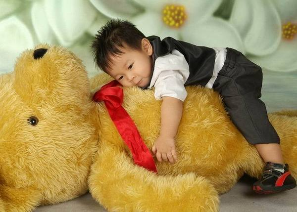 莊佳銓 就愛抱熊熊