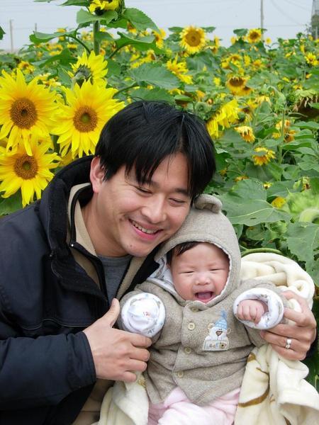 5.2吳家萱  笑開了,跟向日葵一樣燦爛唷.JPG