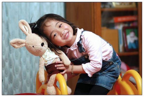 5.10小蝦米 兔兔抱抱.jpg