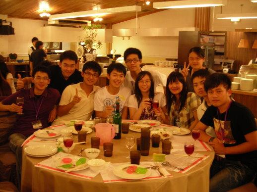 我們這桌:)