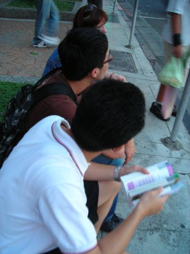 等待公車去故宮